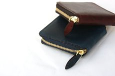 画像8: LEATHER GARRISON ROUND ZIP SHORT WALLET NAVY コードバン (8)