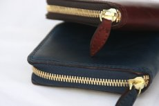 画像9: LEATHER GARRISON ROUND ZIP SHORT WALLET NAVY コードバン (9)