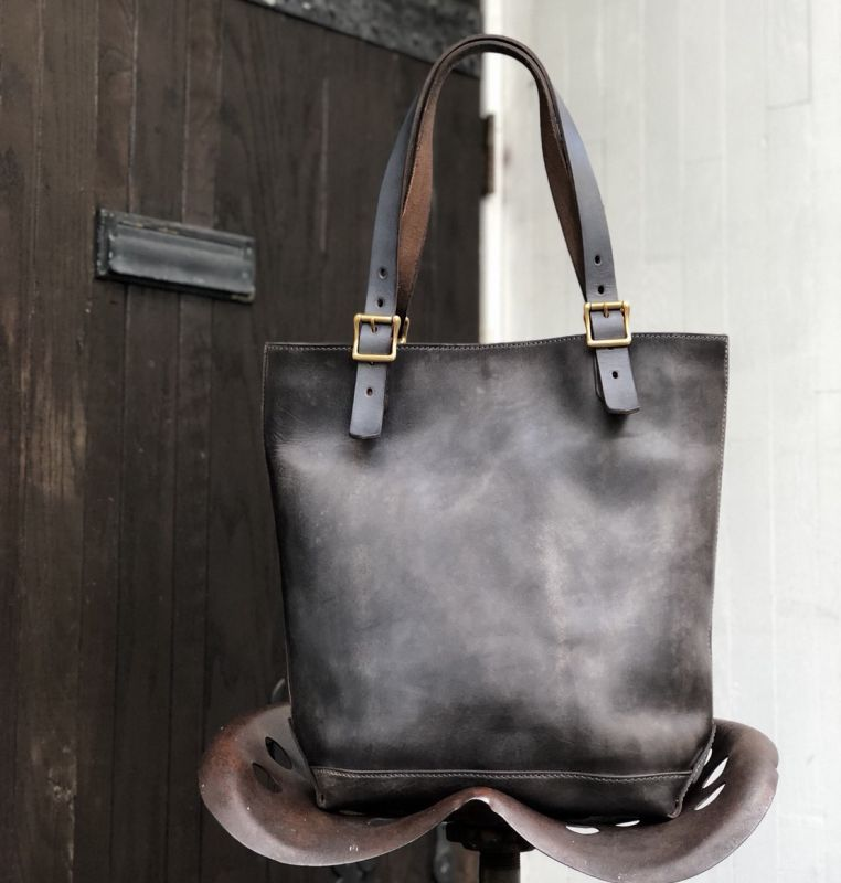画像1: GRAY LEATHER TRAVEL TOTE BAG-HEIGHT (1)