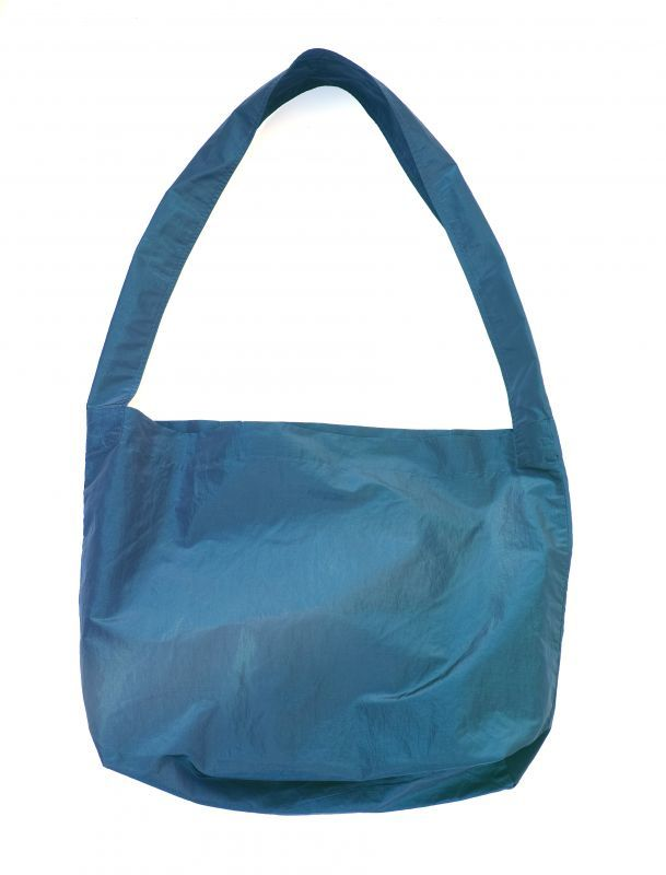 画像1: ts(s) Super Iridescent Nylon*Polyester Taffeta Cloth Single Strap Shoulder Bag NAVY (1)